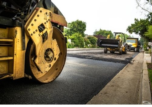 Road pavement monitoring with strain gauges